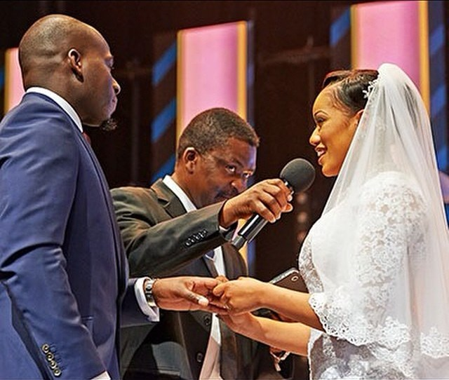 Dorothy weds Tomi Ashimolowo Loveweddingsng3