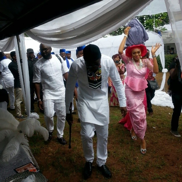 Jude Okoye Ifeoma Umeokeke Aso Ebi Loveweddingsng - bride and groom