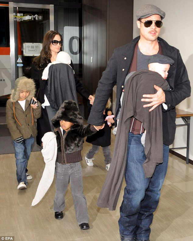 Brad Pitt Angelina Jolie Married Loveweddingsng9
