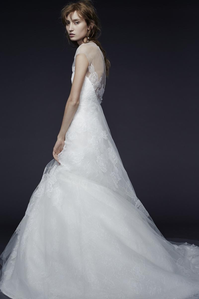 Vera Wang Bride Fall 2015 Collection Loveweddingsng8
