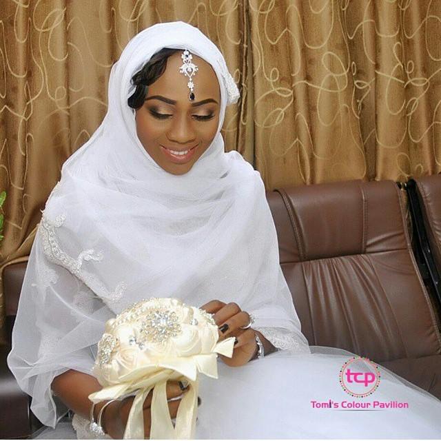 Loveweddingsng White Wedding Bridal Looks - Tomis colour Pavillion