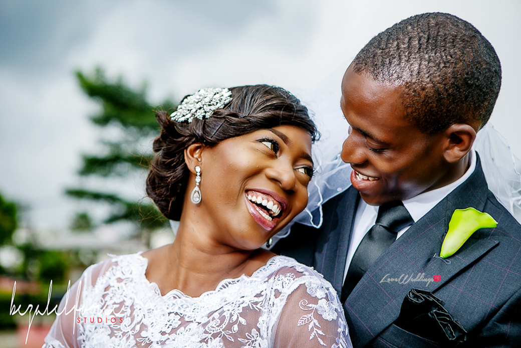 Loveweddingsng Olawunmi and Adeola White Wedding