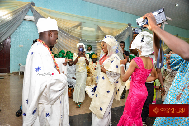 LoveweddingsNG Traditional Wedding Folusho and Temitope Godwin Oisi Photography13