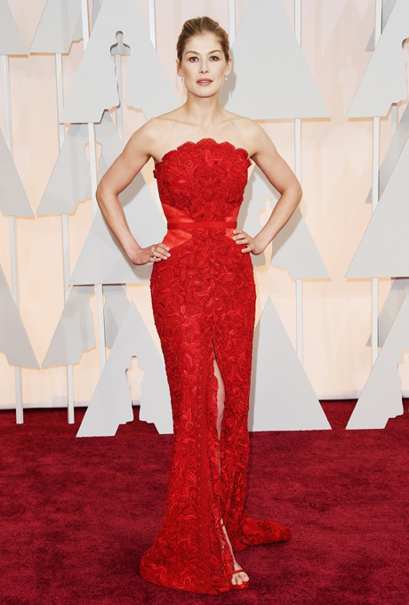Oscars 2015 - Rosamund Pike in Givenchy
