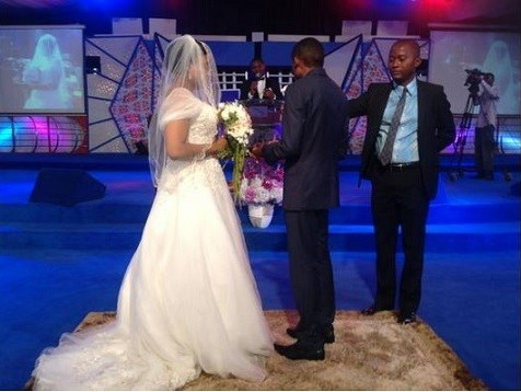 Stephen Keshis daughter - Ifeyinwa weds Emeke Enyihor LoveweddingsNG2