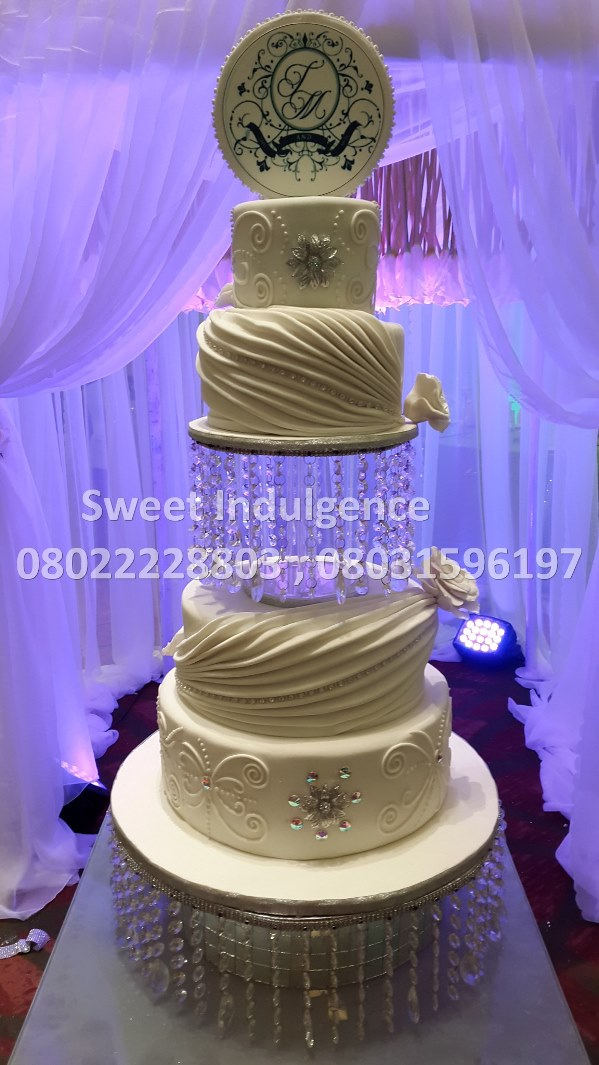 Sweet Indulgence - Choosing The Right Wedding Cake LoveweddingsNG