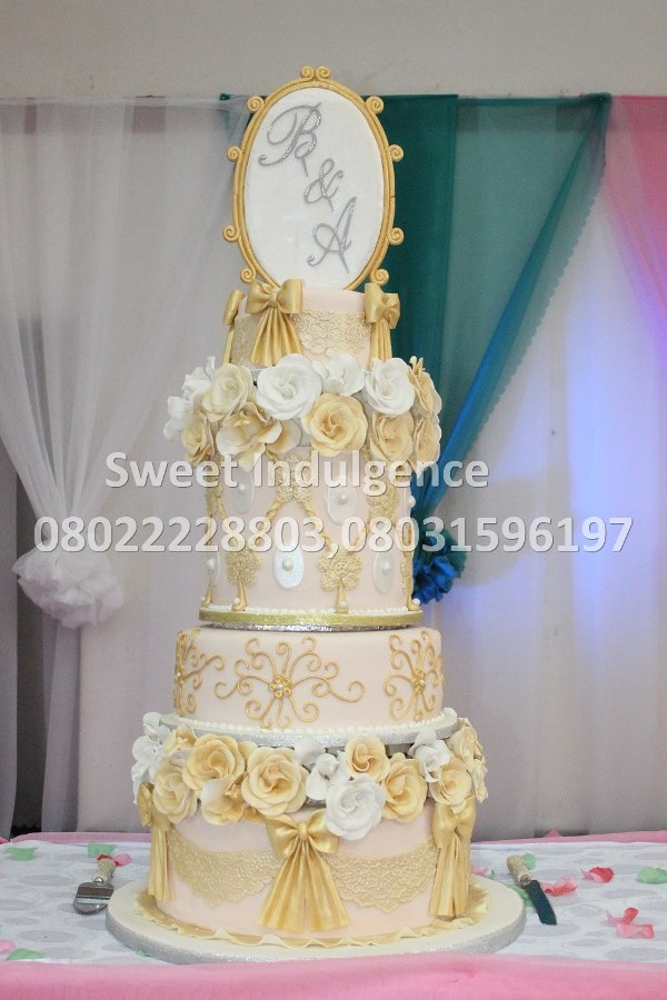 Sweet Indulgence - Choosing The Right Wedding Cake LoveweddingsNG1