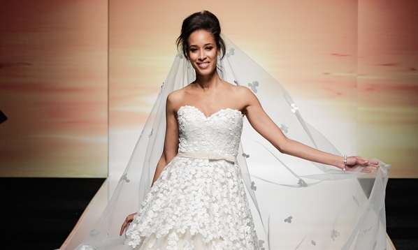 Ian Stuart Runway Rebel - Paradis LoveweddingsNG feat