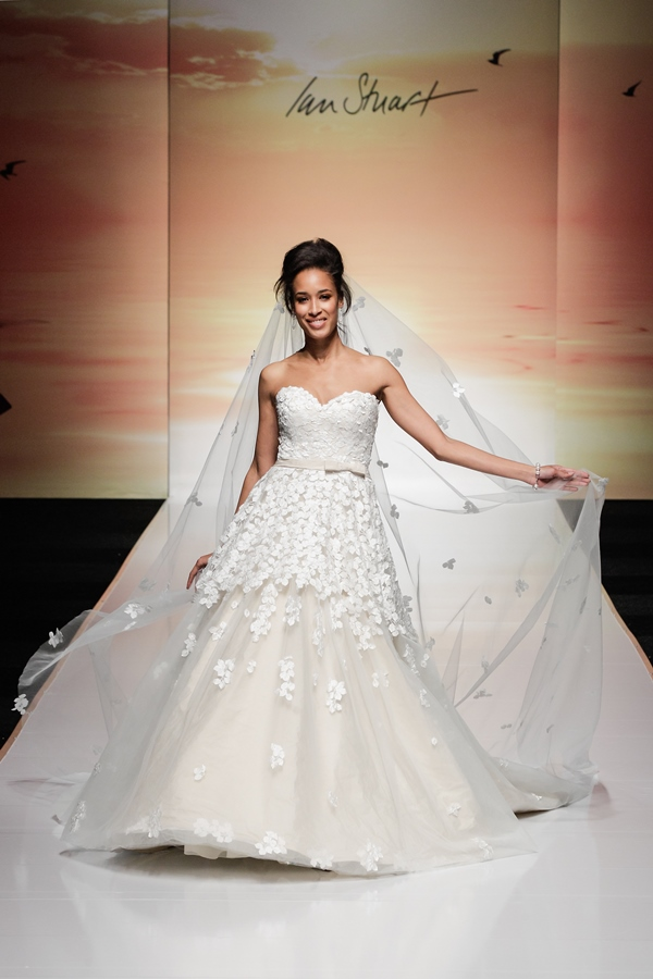 Ian Stuart Runway Rebel - Paradis LoveweddingsNG