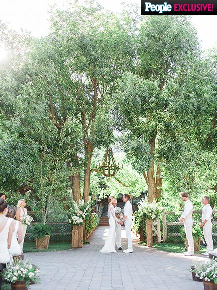 Florida  Georgia Line Singer - Tyler Hubbard weds Hayley Stommel LoveweddingsNG1