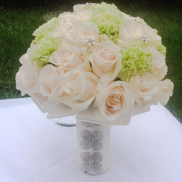 Nigerian Bridal Bouquet Lovebug NG LoveweddingsNG1