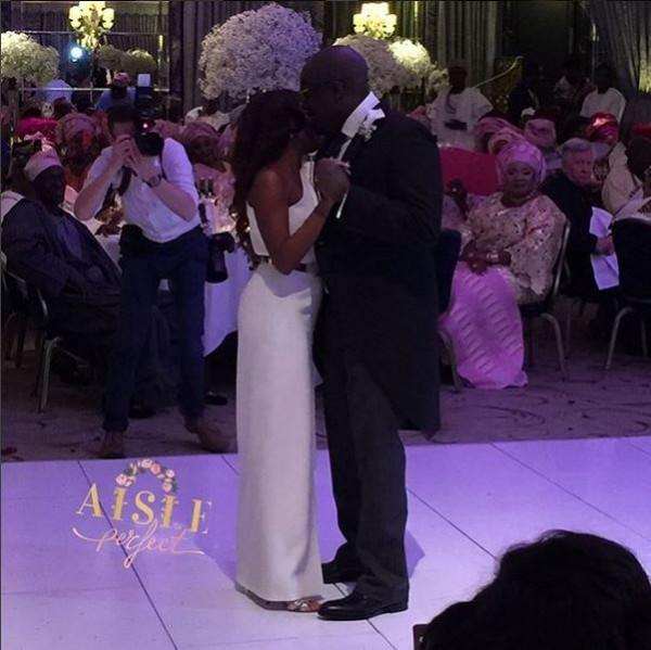 Marcy Dolapo Oni & Gbite Sijuwade's White Wedding LoveweddingsNG - first dance