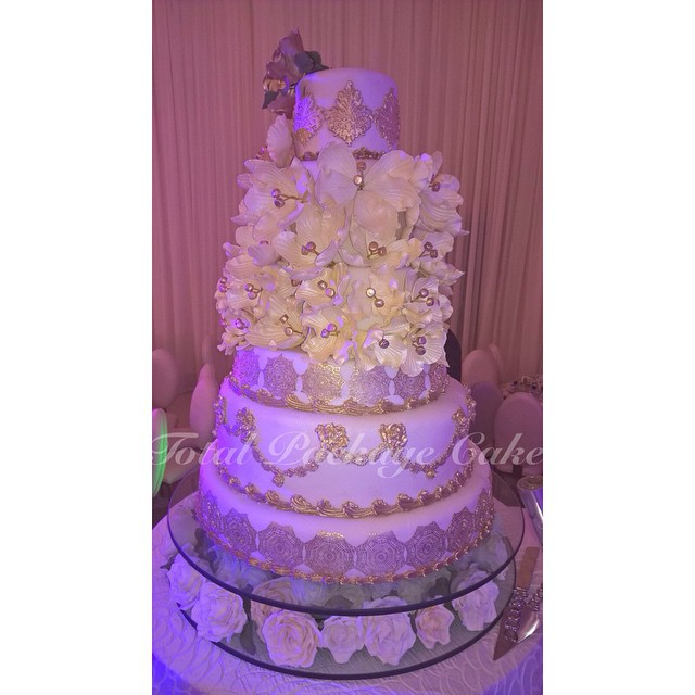 Uche Okonkwo and Kachi Asugha Traditional Wedding LoveweddingsNG - Wedding Cake