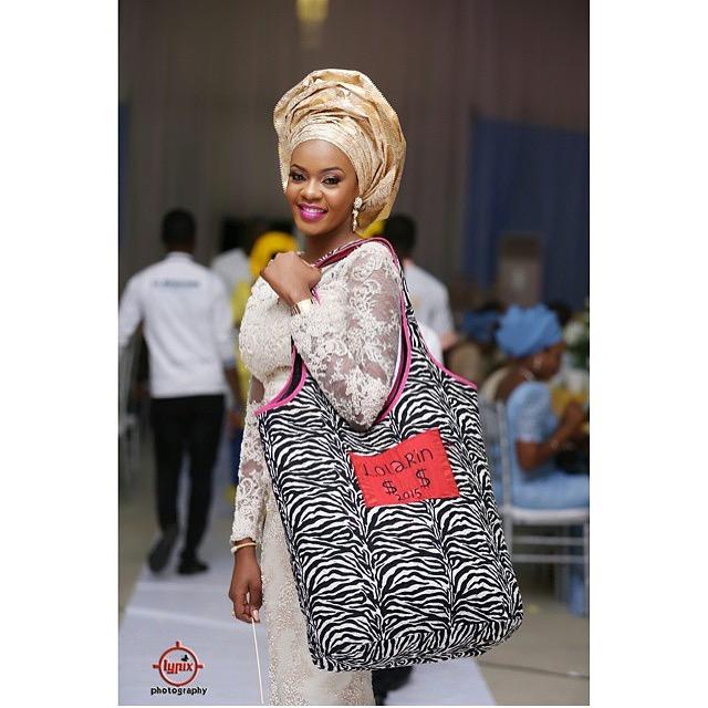 Nigerian Bride With her Money Bag