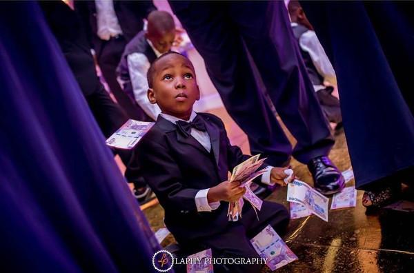 Nigerian Wedding Money Picker LoveweddingsNG