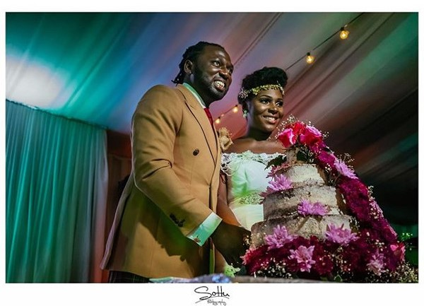 Jide weds Morayo Odukoya White Wedding Cake Sottu Photography LoveweddingsNG #MJ2016