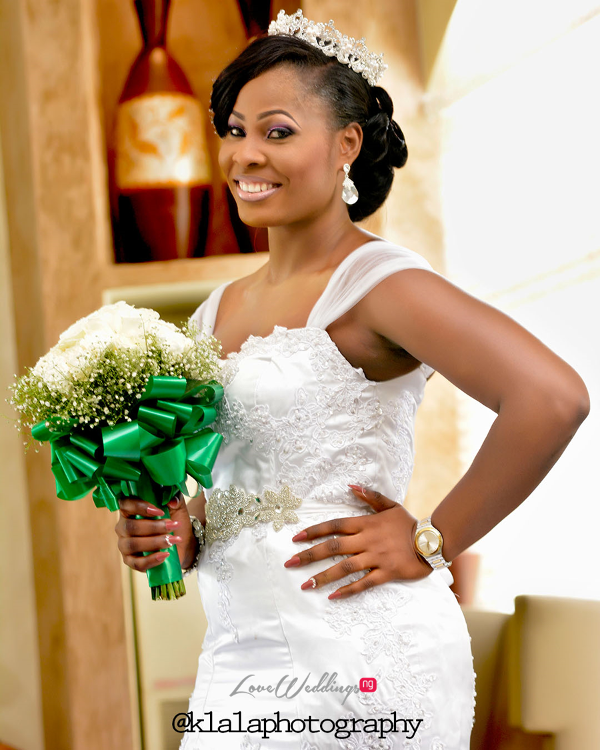 Nigerian Bride and Bouquet Anu and Toye LoveweddingsNG Klala Photography 1