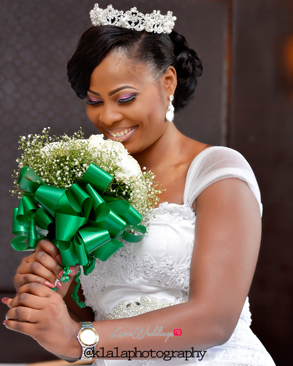 Nigerian Bride and Bouquet Anu and Toye LoveweddingsNG Klala Photography