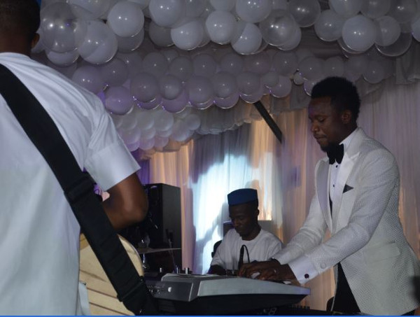 Onazi Ogenyi Sandra Ogunsuyi White Wedding Band Performance LoveweddingsNG