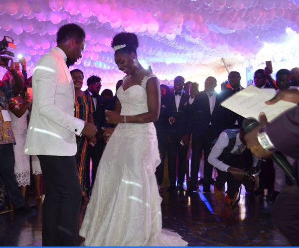 Onazi Ogenyi Sandra Ogunsuyi White Wedding Dance LoveweddingsNG
