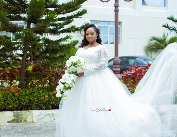 Nigerian Bridal Gown and Bouquet Judith & Kingsley Diko Photography LoveweddingsNG