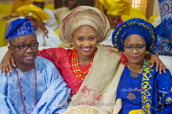 Nigerian Traditional Bride and parents smile Adefunke & Adebola Diko Photography LoveweddingsNG