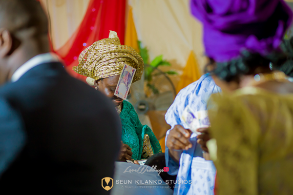 Nigerian Wedding Spraying Money Seun and Tosin Seun Kilanko Studios LoveweddingsNG