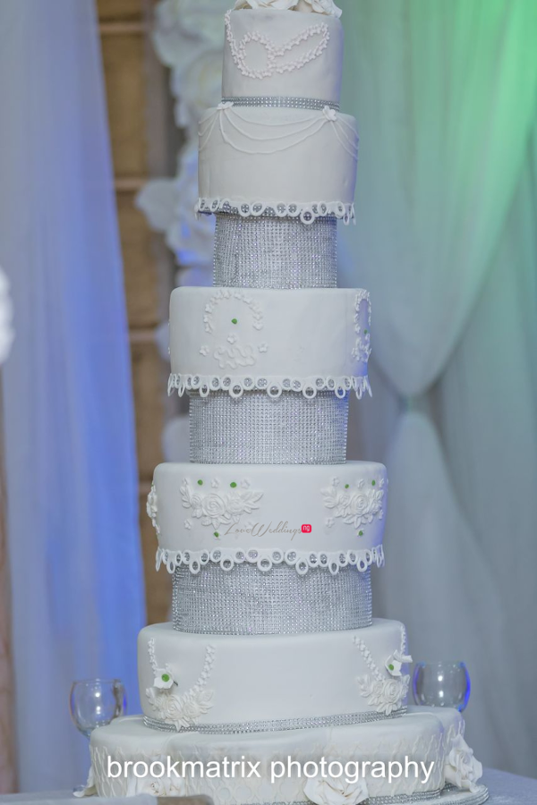 Nigerian White Wedding Cake Mofe Sophie Events by Eki LoveweddingsNG