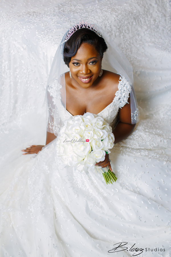 nigerian-bride-bouquet-tito-and-aham-ibeleme-wedding-b-lawz-studios-loveweddingsng-2
