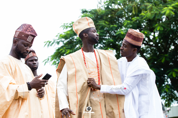 nigerian-traditional-groom-and-friends-moji-and-fola-loveweddingsng