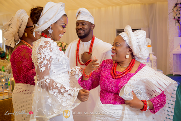 nigerian-traditional-bride-and-groom-awele-and-ademola-seun-kilanko-studios-loveweddingsng-2