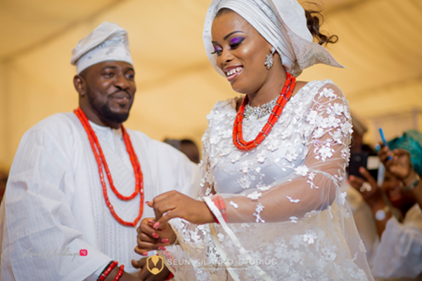 nigerian-traditional-bride-and-groom-awele-and-ademola-seun-kilanko-studios-loveweddingsng-6
