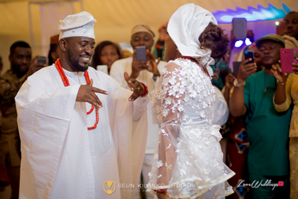 nigerian-traditional-bride-and-groom-awele-and-ademola-seun-kilanko-studios-loveweddingsng-7