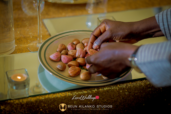 nigerian-traditional-wedding-kolanuts-awele-and-ademola-seun-kilanko-studios-loveweddingsng