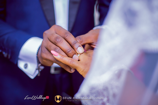 nigerian-wedding-rings-exchange-awele-and-ademola-seun-kilanko-studios-loveweddingsng