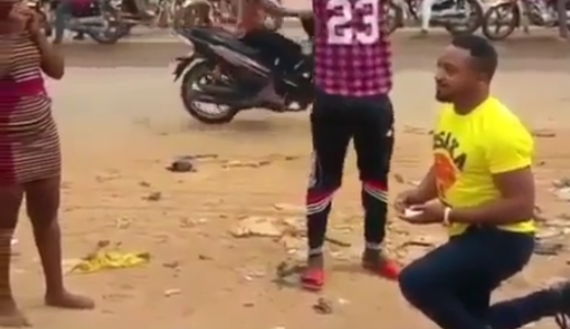accident-scene-turned-nigerian-proposal-loveweddingsng