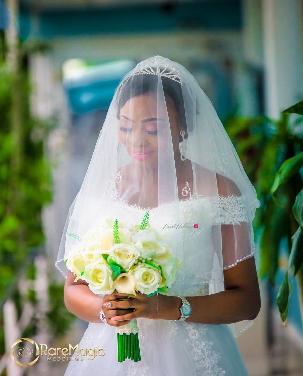 nigerian-bride-and-bouquet-seun-and-timmy-raremagic-gallery-loveweddingsng