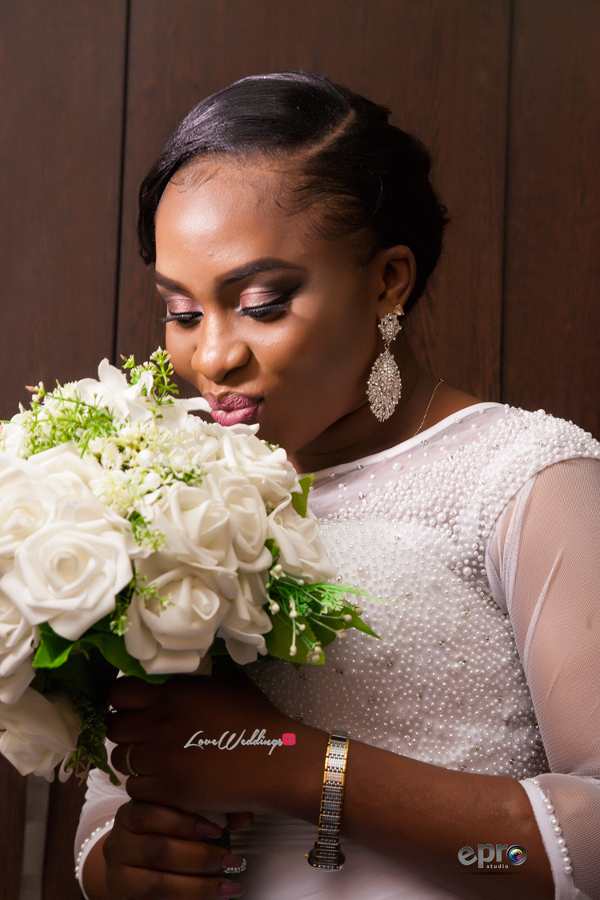 nigerian-bride-and-bouquet-nkem-and-lanre-events-pro-loveweddingsng