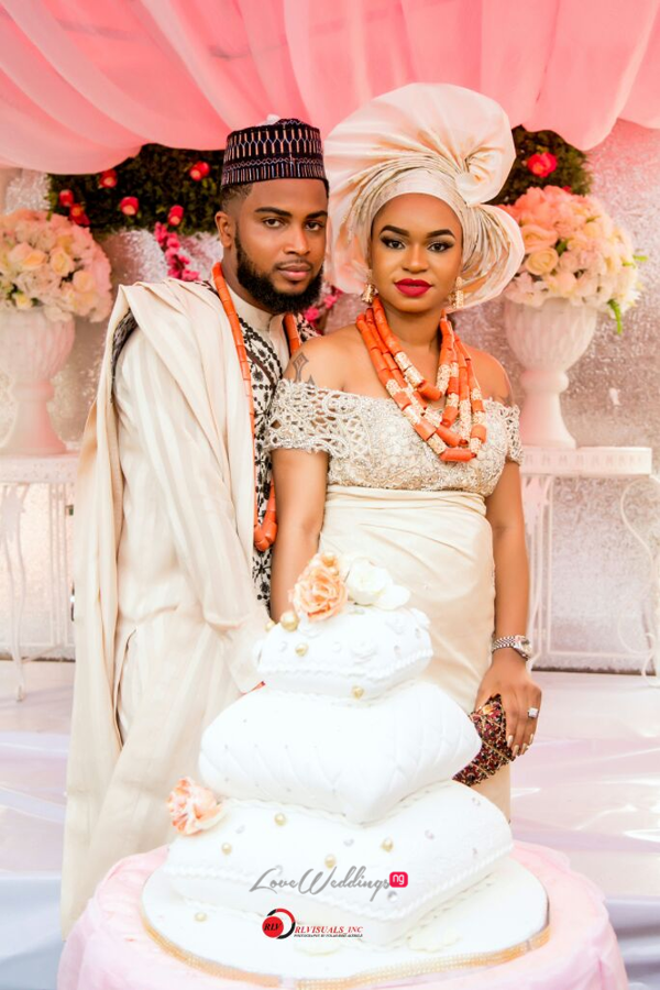 nigerian-traditional-bride-and-groom-cake-nosa-collins-teesalure-events-loveweddingsng