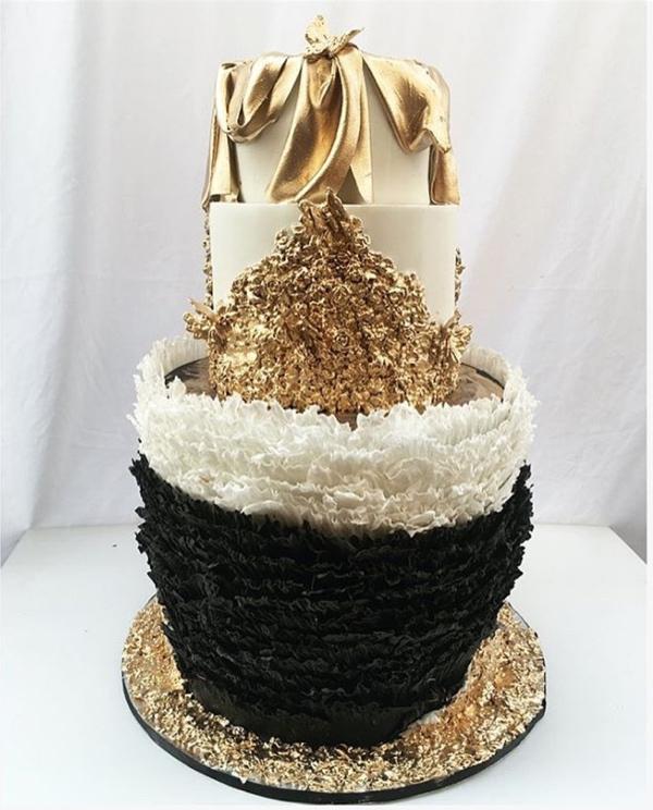 zahra-buhari-and-ahmed-indimi-wedding-cake-loveweddingsng