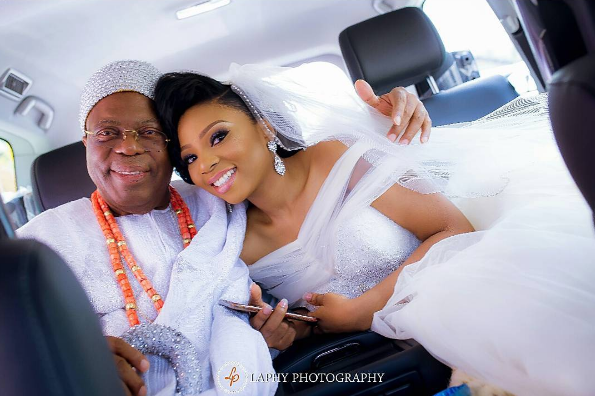 nigerian-bride-and-dad-princess-layebi-and-oba-tejuosho-white-wedding-loveweddingsng