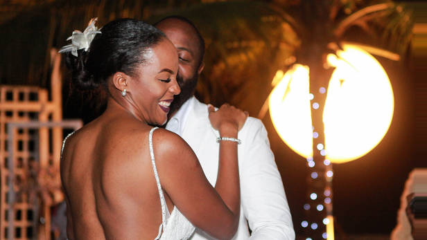 nigerian-bride-and-groom-first-dance-estelle-and-elvis-alistair-englebert-preston-photography-loveweddingsng-1