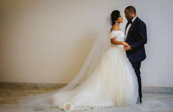 nigerian-bride-and-groom-princess-layebi-tejuosho-and-lekan-aluko-white-wedding-loveweddingsng