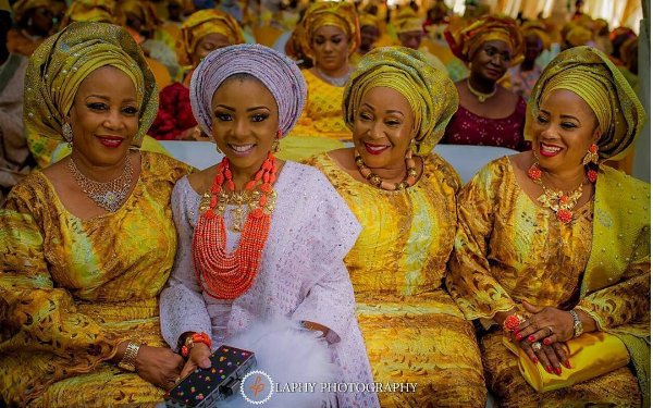 nigerian-traditional-bride-mum-and-stepmums-princess-layebi-traditional-wedding-loveweddingsng