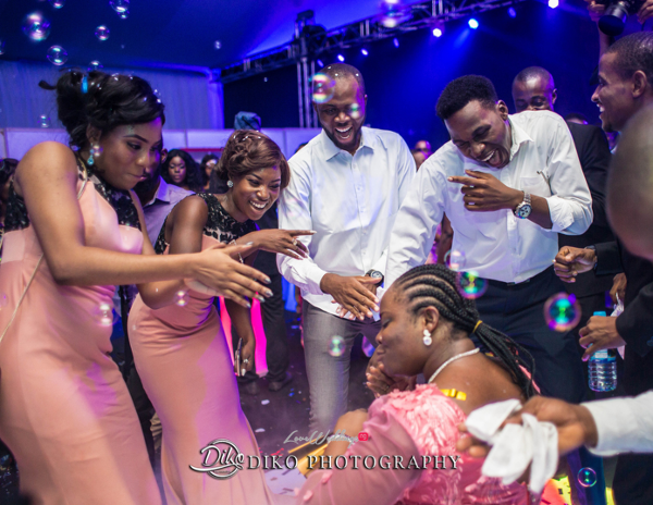 Nigerian Wedding Guest Dancing Toyosi Ilupeju and Wole Makinwa WED Dream Wedding Details Diko Photography LoveWeddingsNG 2