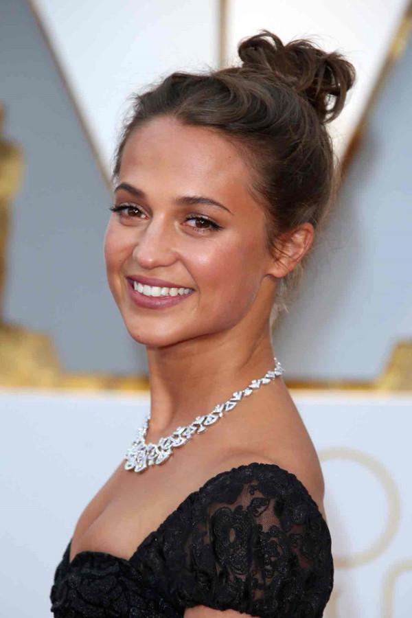 Oscars 2017 - Alicia Vikander Bridal Beauty Look LoveWeddingsNG