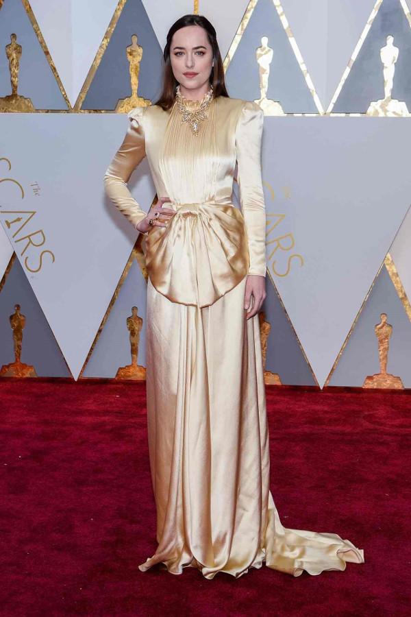 Oscars 2017 - Dakota Johnson in Gucci LoveWeddingsNG
