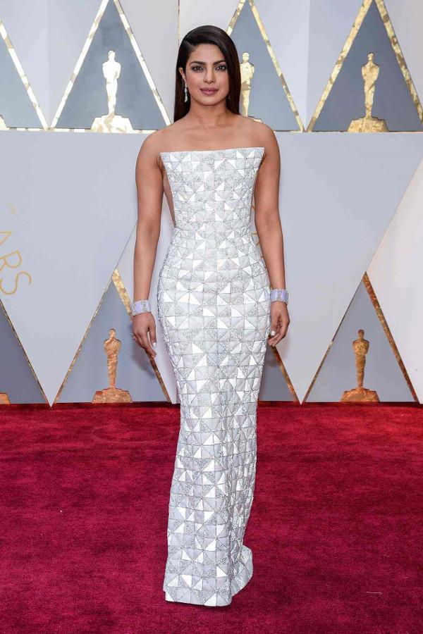 Oscars 2017 - Priyanka Chopra in Ralph & Russo LoveWeddingsNG