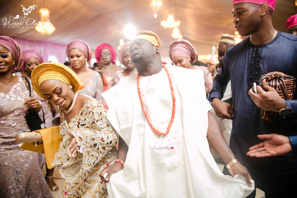 Nigerian Traditional Bride and Groom dancing Wani Olatunde Photography LoveWeddingsNG