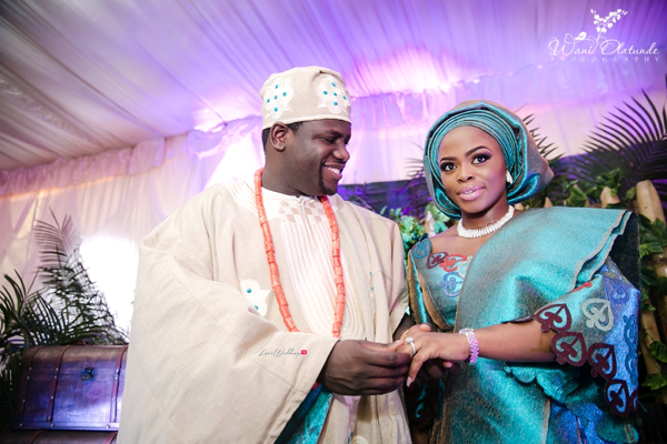 Nigerian Traditional Bride and Groom ring Wani Olatunde Photography LoveWeddingsNG